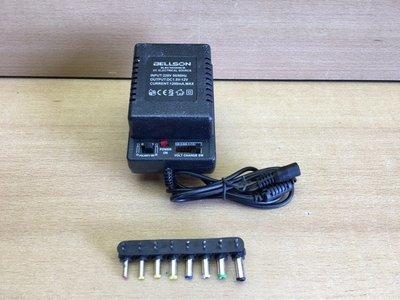 Adapter universeel 1000 mAmp.